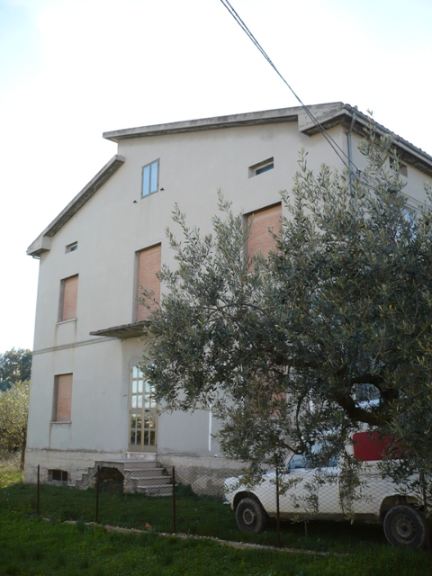 Detached villa and Garden, to modernise