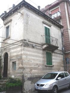 Property for sale in Sant'Eusanio Del Sangro, Chieti Province