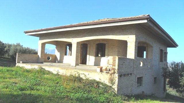 Property for sale in Torino Di Sangro, Chieti Province